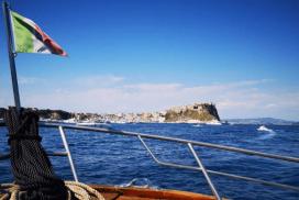 tour in barca ischia e procida